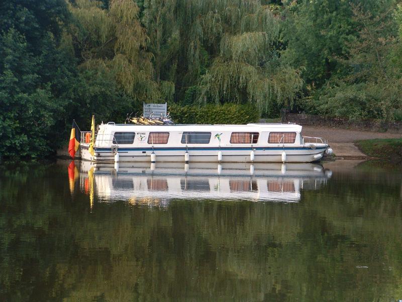 Marina 1400 - Location bateaux sans permis Anjou Navigation