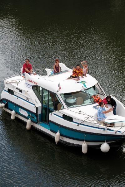 Nicols 900  DP Location de bateaux sans permis