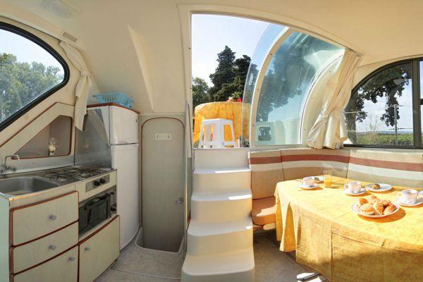 Nicols 900 - Séjour et cuisine bateau sans permis