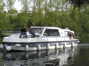 Riviera 920 - Location bateau sans permis