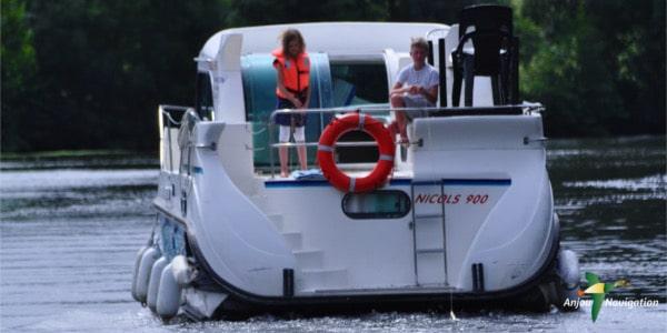 vacances fluviales au mans a bord d 39 un bateau sans permis. Black Bedroom Furniture Sets. Home Design Ideas