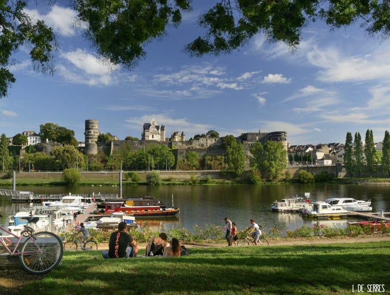 location de bateau en Anjou : pause à la cale de la Savatte
